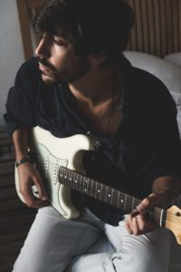 Giorgio De Palo, First Waves, Newcomer, Indie Musik Magazin, Pickymagazine, Picky Magazin, Musikblog, Indie, Musik, Review, EP, Eclipse