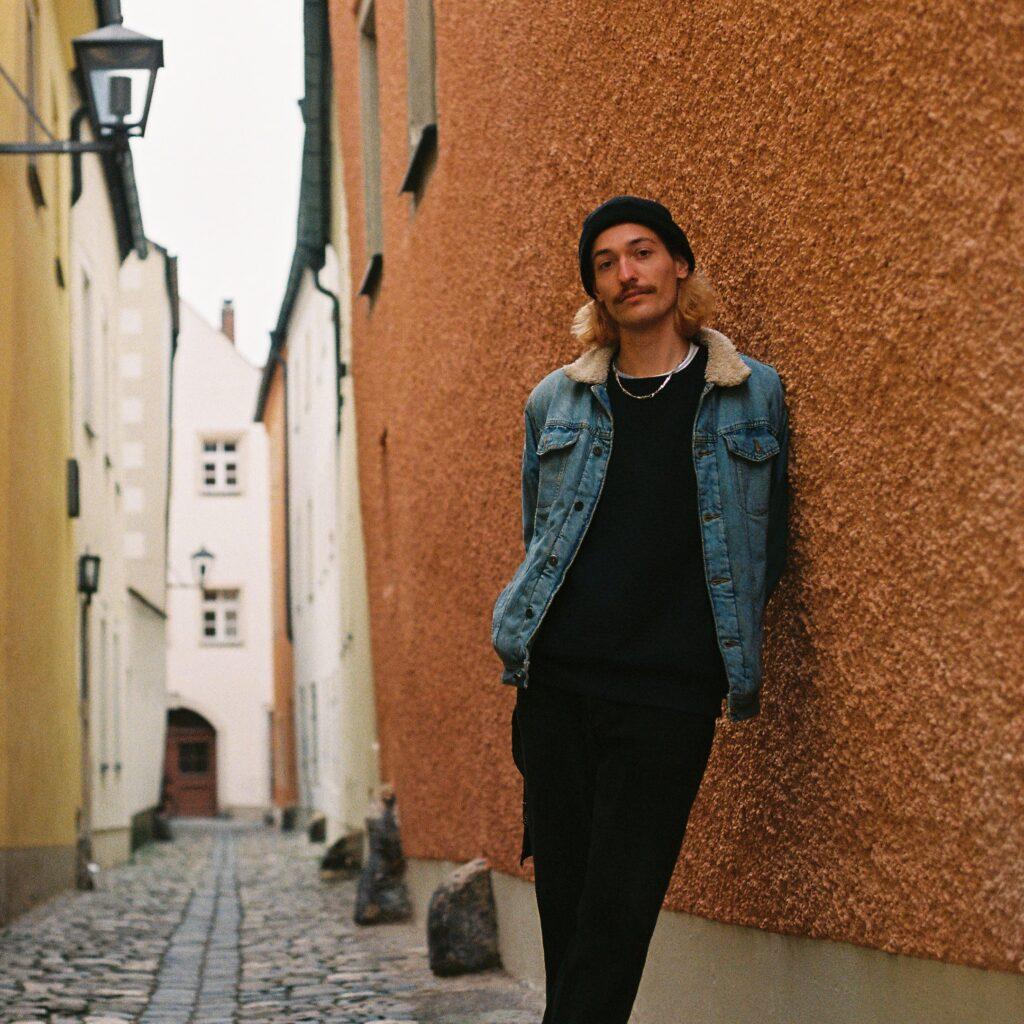 Iuna Lux, Stop Turning, Picky, Pickymagazine, Indiepop