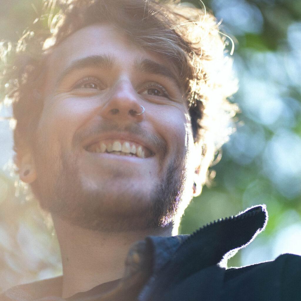 Tim Bleil, Varanasi Calling, indie pop, dusty roads, picky, music