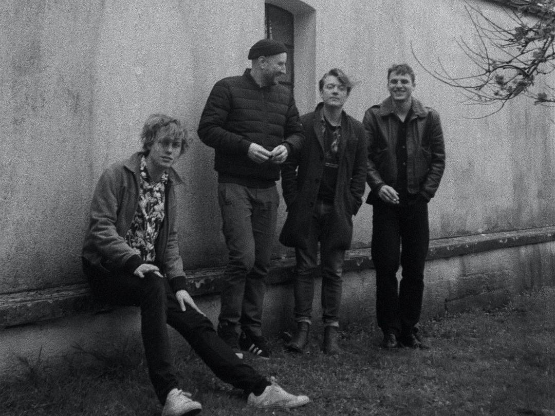 trümmer band